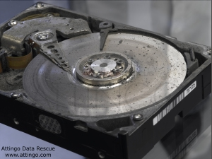Festplatte mit abgelöster Magnetschicht